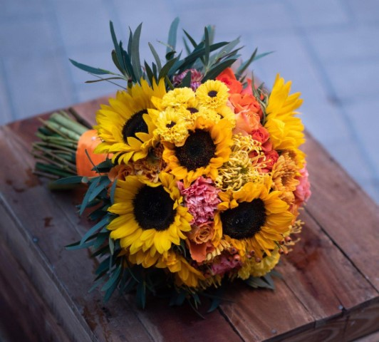 buchet mireasa, buchet nasa, buchete nunta Sibiu, buchete mireasa , flori nunta Sibiu, buchet floarea soarelui