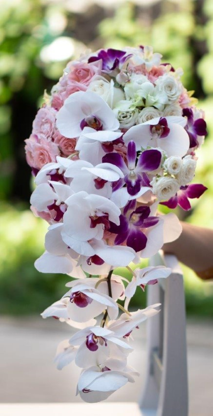 buchet mireasa, buchet nasa, buchete nunta Sibiu, buchete mireasa , flori nunta Sibiu, buchet curgator, buchet mireasa orhidee